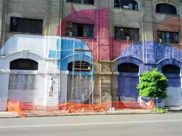 手绘艺术墙是近年来兴起的一种新型家庭软装饰